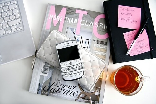 apple-blackberry-cute-fashion-love-macbook-Favim.com-76750